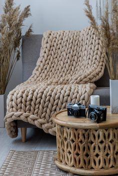 Chunky Knit Blanket, Big Knit Blanket, Chunky Yarn Blanket, Knit Blank… - Rebel Without Applause Chunky Yarn Blanket, Big Knit Blanket, Chunky Knit Throw, Blue Blanket, Diy Merino Wool, Arm Knitting Merino Wool, Merino Wool Blanket, Wool Yarn, Handmade Home