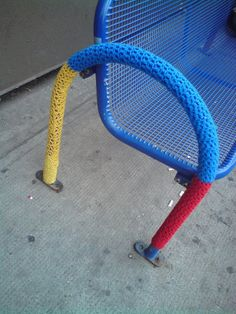 "Guerrilla Knitting"": the street art  .... with crochet"