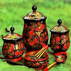 Russian cuisine is very famous and popular all over the world. Traditional Russian cuisine has a lot of interesting secrets. Russian Beauty, Russian Fashion, Russia Ukraine, Russian Folk Art, Russian Culture, Russian Recipes, Painting On Wood, Handicraft, Decoration