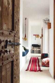 Inspiratie uit Ibiza. Voor meer wooninspiratie kijk ook eens op   http://www.wonenonline.nl/interieur-inrichten/