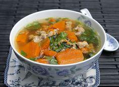 Pumpkin Soup with Grinded Pork Recipe (Canh Bí Đỏ Thịt Bằm) from http://www.vietnamesefood.com.vn/vietnamese-recipes/vietnamese-soup-recipes/pumpkin-soup-with-grinded-pork-recipe-canh-bi-do-thit-bam.html