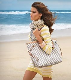 Louis Vuitton Neverfull Damier Azur tote bag - perfect for summers at the beach