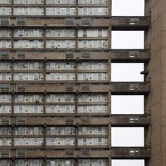 As the precursor to the larger Trellick Tower, Ernö Goldfinger's brutalist Balfron Tower in London was a testbed for the architect's utopian housing ideals. London Architecture, Urban Architecture, Architecture Details, Minecraft Architecture, Classic Architecture, Brutalist Buildings, Modern Buildings, Brutalist Design, Tower Block