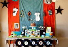 Inspirações para quem quer criar uma linda festa rock! Ideias de convites, bolos, doces e lembrancinhas de arrasar!