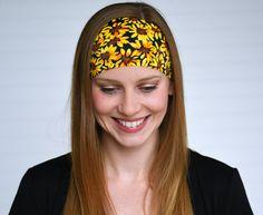 Daisy print yoga headband Workout headband by WildandFreeFashion