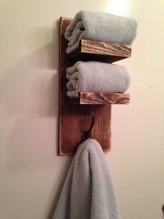 DYI hand towel holder!  Thanks @Shanty-2-Chic.com.com love your projects!