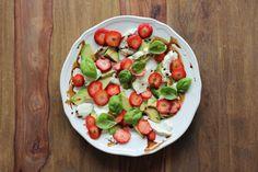 Yummy Erdbeer-Avocado-Salat | eatbakelove