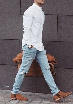 What to Wear with Light Blue Jeans Best Light Blue jeans outfit Idea Light Denim Jeans, Light Blue Jeans, Blue Shirt White Collar, Look Fashion, Mens Fashion, Fashion Rings, Fashion Hair, Fashion Ideas, Outfits Hombre