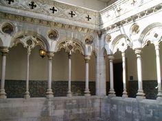 Kreuzgang im Kloster von Madre de Deus in Lissabon. - Cloister in Madre de Deus convent in Lisbon / Lisboa. (Azulejo Museum)  www.claudoscope.eu