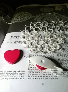 Beginning a tatted doily