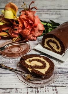 Vegan Chocolate Peanut Butter Roll Cake - - I was craving chocolate cake last week, but I didn't want a layer cake, so. Peanut Butter Dessert Recipes, Peanut Butter Roll, Dessert Recipes For Kids, Nutter Butter, Desserts With Chocolate Chips, Chocolate Chip Recipes, Mousse Dessert, Craving Chocolate, Vegan Chocolate