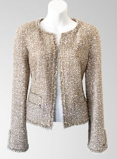 05P-BeigGldMltiCMtlcClscJckt-1-312a Chanel Outfit, Chanel Jacket, Chanel Fashion, Runway Fashion, Boucle Jacket, Tweed Jacket, Lace Silk, Sheer Chiffon, Summer Collection