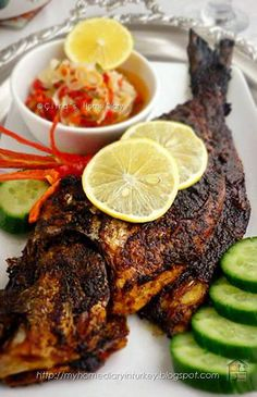 Citra's Home Diary: Ikan Bakar Bali sambal matah / Balinese grilled fish with sambal matah Turkish Fish Recipe, Turkish Recipes, Indian Food Recipes, Asian Recipes, Orange Recipes, Fish Recipes, Seafood Recipes, Cooking Recipes, Tilapia Recipes