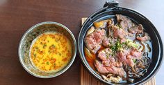 ¿Dónde está el sushi? ¿Y tanto pollo? ¿Mollejas japonesas? Esas son, y en ese orden, las preguntas que te harás en Tori-Key, el restaurante que llega a Madrid, a Chamberí, para enseñarnos que no solo de sushi vive el japonés.