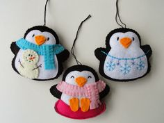 DIY ideas for home decor Игрушки и Поделки из Фетра / Felt Crafts Toys. DIY ideas for home decor Felt Christmas Decorations, Felt Christmas Ornaments, Noel Christmas, Handmade Christmas, Christmas Nativity, Christmas Projects, Felt Crafts, Holiday Crafts, Felt Penguin