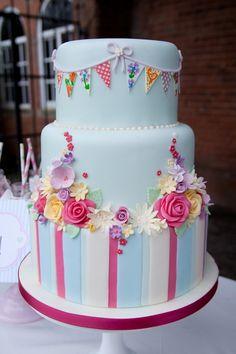 www.facebook.com/cakecoachonline - sharing.....gorgeous cake