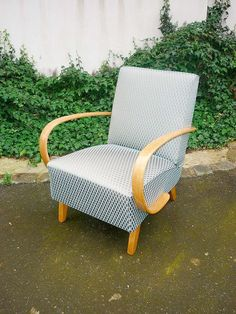 křeslo halabala - Hledat Googlem Outdoor Chairs, Outdoor Furniture, Outdoor Decor, Home Decor, Home, Parsons Chairs, Decoration Home, Room Decor, Garden Chairs