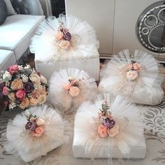 This Pin was discovered by Mer Wedding Hamper, Wedding Gift Baskets, Wedding Gift Wrapping, Wedding Gift Boxes, Wedding Gifts For Bride, Bride Gifts, Wedding Cards, Diy Wedding, Wedding Favors