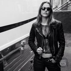 Lzzy Hale of Halestorm Nu Metal, Metal Girl, Heavy Metal, Josh Smith, Old Country Music, Lzzy Hale, Women Of Rock, Halestorm, Women In Music