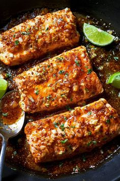 Dinner doesn't get any easier than this. This Spicy Honey Garlic Salmon is perfect for a quick weekday evening: smother your pan seared salmon fillets with a garlic honey mustard glaze and dinner i…
