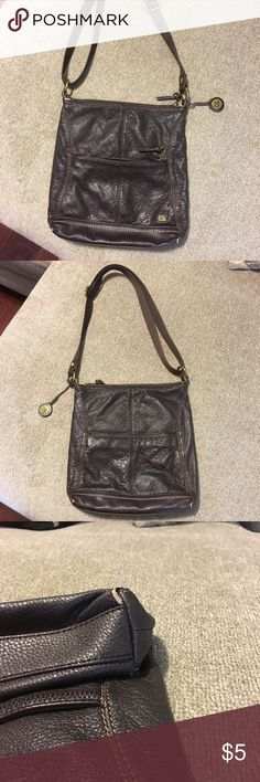 The Sak purse Nice purse with a few flaw. The Sak Bags Shoulder Bags