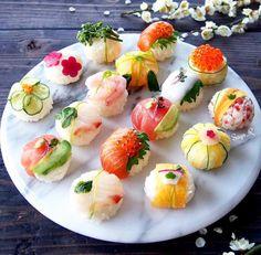 日本語⬇️ Now I'm making the Video🎥 about how to cook these Temari- sushi ❗️ so you can make them at home and enjoy Sushi 😄 👍 I will post it… Temari Sushi, Cute Food, Yummy Food, Dessert Chef, Tapas, Sushi Love, Sashimi, Food Presentation, Food Design