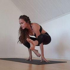 Welcome to Day 1 #foldmeupbendmeback ❤  margareta_yoga