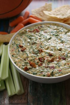 Cheesy Spinach and Bacon Dip | www.girlichef.com
