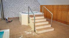 Stará vířivka - Clarion Hotel - Špindlerův Mlýn, realizace wellness centrum, vířivka, spa, bazén. Spa, Stairs, Home Decor, Stairway, Decoration Home, Room Decor, Staircases, Home Interior Design, Ladders