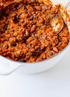 Homemade vegetarian chili recipe - cookieandkate.com