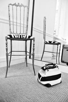 Caroline De Marchi Showroom Paris. Cubo bag.