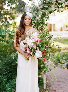 Romantic English garden wedding inspiration | photo by Tonya Joy  flowers ~ oak and the owl