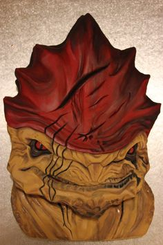 This fan-made cake of Wrex from Mass Effect, is definitely one I'd rather have, than eat.