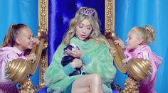 When this pretty pretty (slightly naughty) princess gets on the throne It's gonna be all bubblegum, pasteles and teddy bears...When I Rule the World by LIZ