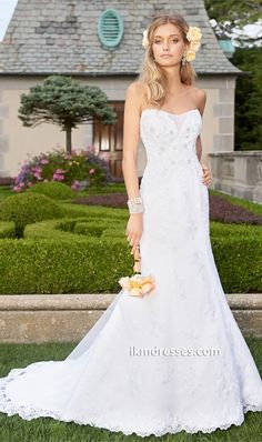 http://www.ikmdresses.com/Strapless-Tulle-Lace-Wedding-Dress-p87593