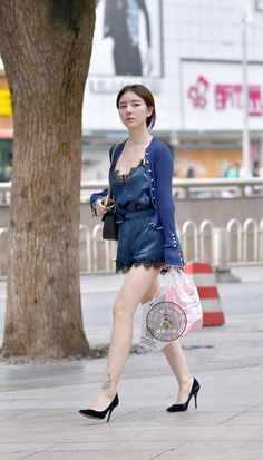 beauty lady Sexy Outfits, Sexy Dresses, Girl Outfits, Street Girl, Street Wear, Korean Girl Fashion, Womens Fashion, Preety Girls, Beautiful Legs