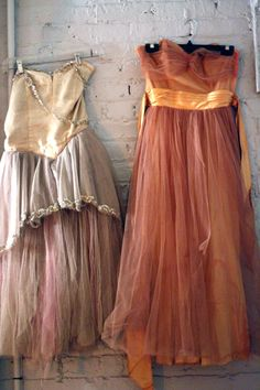 used to wear these vintage style dresses to the private pre-rave SF parties...oh the days...