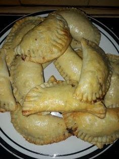 Jessica Gouws Maier My mince pies gemaak. Cornish Pie, Savory Pastry, Savoury Pies, South African Recipes, Mince Pies, Sausage Rolls, Savory Snacks, Party Snacks, No Cook Meals