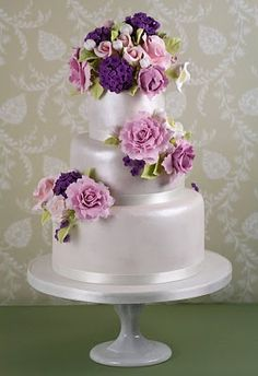 Wedding Cake With Gumpaste Flowers Beautiful Cakes Amazing Purple