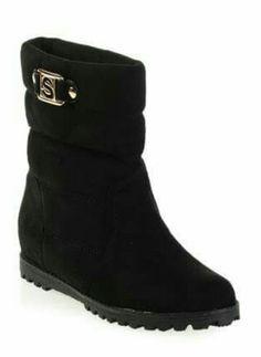 Bu modellerle soğuk havalarda hem tarzınızı hem kendinizi koruyun. http://www.stilodi.com/tr/urun/kadin-ayakkabi-bot-miss-kiss-miss-kiss-x5317-lacivert-miss-kiss-casual-bot