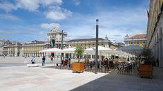 ¿Qué hay de nuevo en Lisboa ? | via ocholeguas.com, elmundo.es Actualizado en 16.08.2012 | ...la capital portuguesa sigue reinventándose y cuenta con un montón de novedades, comenzando por la completa transformación de la Praça do Comercio... #Portugal Foto: La remodelada Plaza del Comercio lisboeta - via Turismo de Lisboa