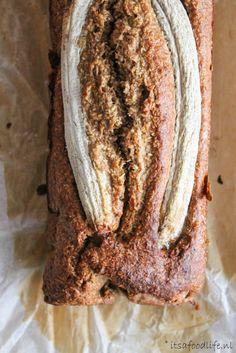 suikervrij: bananen kokosbrood | It's a Food Life