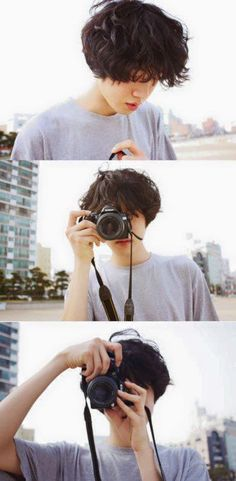 Freddie taking photos Pretty Boys, Cute Boys, Pretty People, Beautiful People, Ulzzang Boy, Handsome Boys, My Hair, Short Hair Styles, Hair Cuts