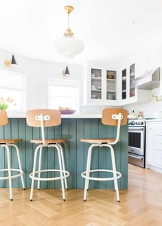 ➢ and Renovation Ideas For Design Home – Modern House Ideas High Top Table Kitchen, High Top Tables, Patio Bar Set, Pub Table Sets, Dining Stools, Bar Stools, Counter Stools, Dining Area, Homemade Furniture