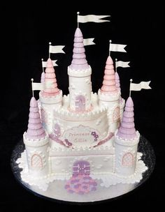 Birthday Cakes - * Castle cake, totally edible, made by Verity's creative cakes