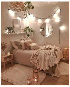 124 brilliant dorm room decor ideas with small space hacks 4 Bedroom Decor For Teen Girls, Cute Bedroom Ideas, Room Ideas Bedroom, Girl Bedroom Designs, Teen Room Decor, Small Room Bedroom, Bedroom Inspo, Small Apartment Bedrooms, Comfy Room Ideas