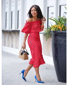 5 Dress Styles That Will Make You Look Thinner. While particular ladies wear products you see on the runway might look terrific on models, they might not look great on every woman. Spring Outfits For Teen Girls, Spring Outfits Classy, Spring Outfits For School, Preppy Outfits, Boho Outfits, Spring Dresses, Casual, Fashion Dresses, Clothes For Women