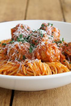 We love comforting dishes made scrumptious like jenwren59's Best Spaghetti and Meatballs.