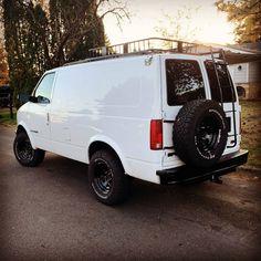 Chevy Astro Van, Chevrolet Astro, 4x4 Camper Van, 4x4 Van, Van Roof Racks, Lifted Van, Custom Camper Vans, Gmc Safari, Van Design