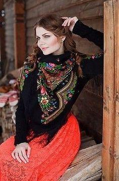 Russian-Shawl-Wrap-PAVLOVO-POSAD-Heartful-Talk-125-125cm-100-Wool-Floral